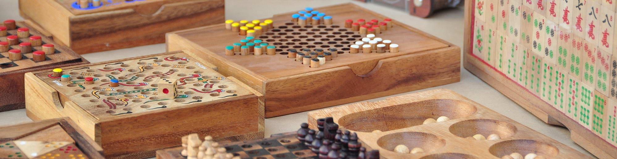 Giochi Da Tavolo In Legno Naturale Per Tutte Le Eta Giochi Ecologici Logica Giochi