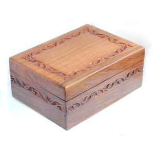 CARVED BOX - BOÎTE SCULPTÉE