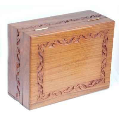CARVED BOX - GESCHNITZTE BOX